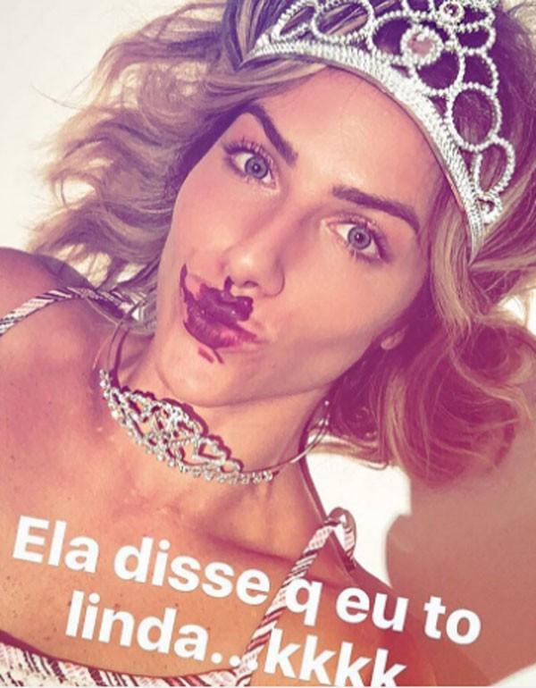 Giovanna Ewbank exibe maquiagem feita or Titi (Foto: Reprodução/Instagram)