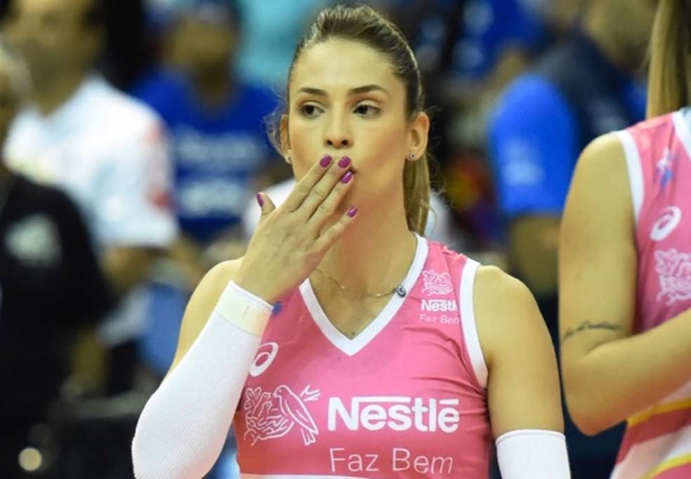 Camila Brait não conseguiu ajudar o Osasco a ser campeão da Superliga (Foto: André Durão)