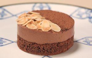 Torta mousse de chocolate negro e mel