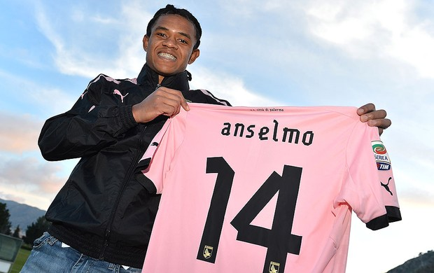 Anselmo de Moraes apresentado no Palermo (Foto: Getty Images)