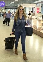 Look do dia: toda de jeans, Fernanda Keulla embarca em aeroporto no Rio