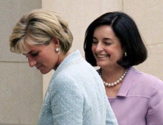 Lúcia Lucia Flecha de Lima, na época de embaixatriz do Brasil em Londres, tornou-se grande amiga da Princesa Diana (Foto: Reprodução)