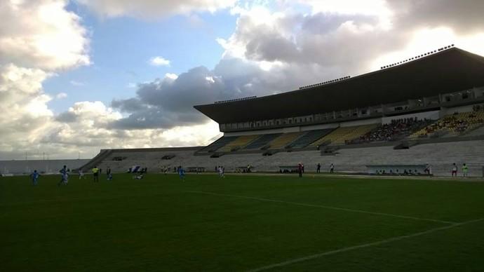 CSP x Santa Cruz-PB, no Estádio Almeidão, pelo Campeonato Paraibano 2015 (Foto: Larissa Keren / GloboEsporte.com/pb)