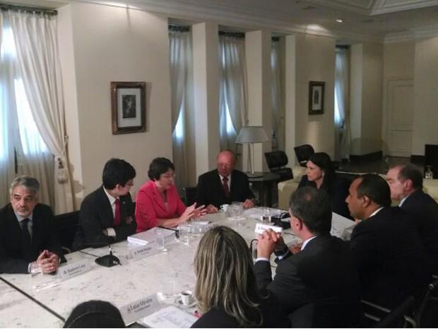 Comitê Gestor em reunião com a Comissão de Direitos Humanos do Senado (Foto: Lenno Edroaldo/G1)