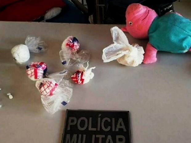Brinquedo servia para esconder drogas de traficante (Foto: Reproduão/Verdes Mares)