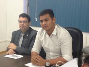 Secretário de Saúde interino Antônio Teles explicou o sumiço do corpo (Foto: Abinoan Santiago/G1)