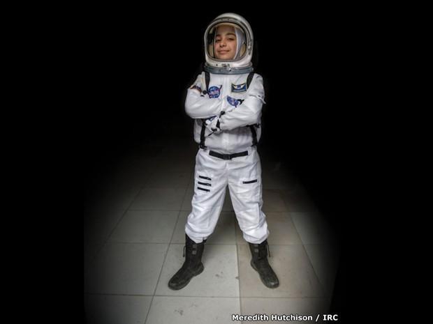 Haja, 12 anos, sonha em ser astronauta (Foto: BBC)