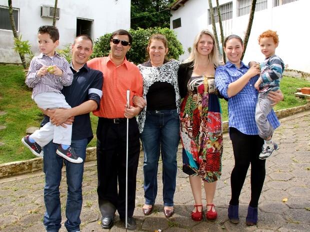 Indy conheceu o pai, a mãe, a irmã e os sobrinhos de Rafael (Foto: Arquivo pessoal)
