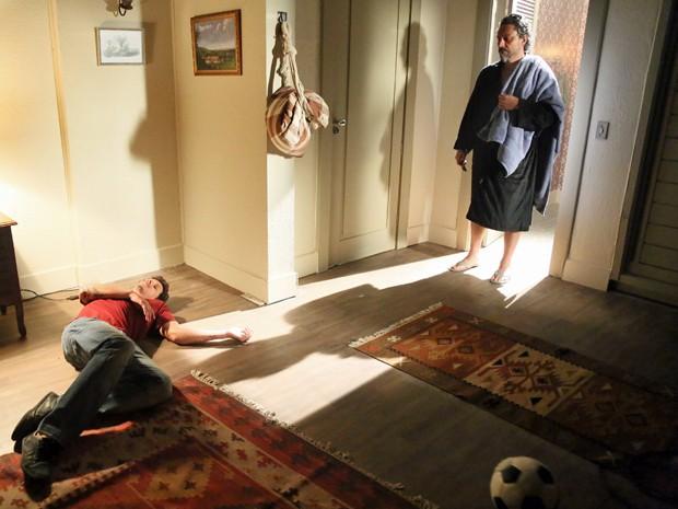 Elivaldo desmaia ao ver José Alfredo (Foto: Carol Caminha/ Gshow)
