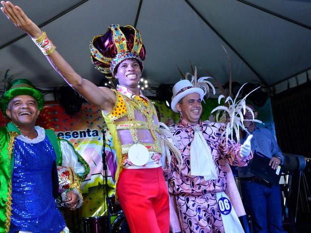 Jonni Almeida, de 29 anos, é o novo Rei Momo de Cuiabá  (Foto: Michel Alvim/ Secom-Cuiabá)