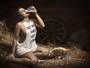 Andressa Ferreira posa sem sutiã em ensaio fotográfico