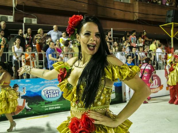 Na Vale Samba, não faltaram lindas mulheres no desfile (Foto: André Arcênio/Divulgação)