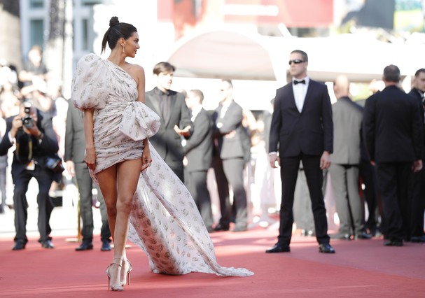 "CANNES, FRANCE - MAY 20:  Model Kendall Jenner attends the ""120 Beats Per Minute (120 Battements Par Minute)"" screening during the 70th annual Cannes Film Festival at Palais des Festivals on May 20, 2017 in Cannes, France.  (Photo by Andreas Rentz/Getty I (Foto: Getty Images)"
