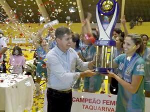 Copa TV TEM Itapetininga, Taquarivaí festeja título 2014 (Foto: Caio Silveira)
