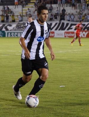 Júnior Timbó, meia do ABC (Foto: Augusto Gomes)