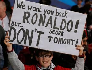 cristiano ronaldo faixa manchester united x real madrid (Foto: Reuters)