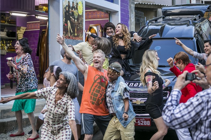 Elenco de Pé na Cova comemora sucesso da quarta temporada (Foto: Paulo Belotte / TV Globo)