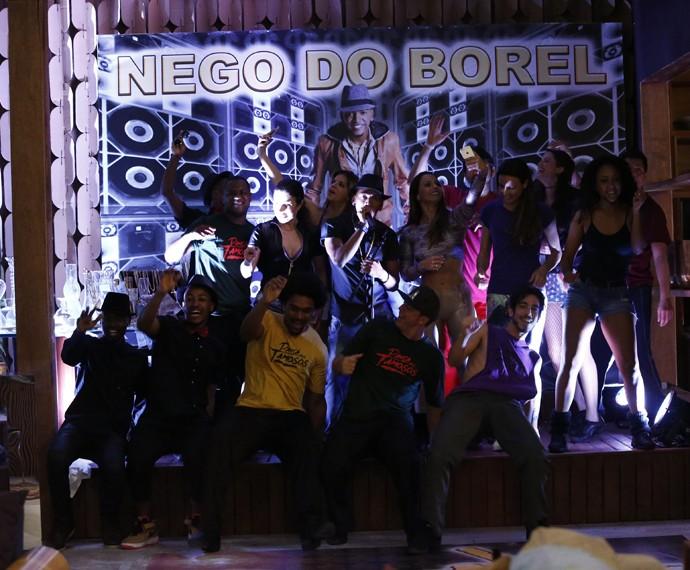 Nego do Borel agita a casa do 'Dança dos Famosos' (Foto: Raphael Dias / Gshow)