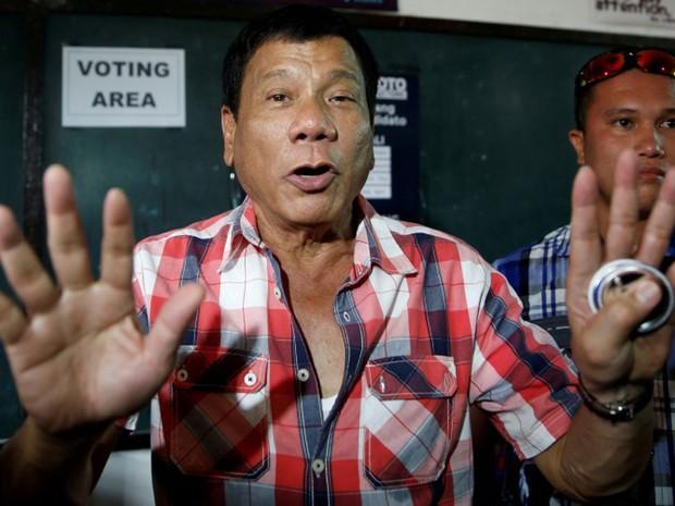 Rodrigo Duterte foi candidato polêmico, mas acabou eleito nas Filipinas prometendo 'linha dura' contra criminosos (Foto: Reuters/Erik De Castro)