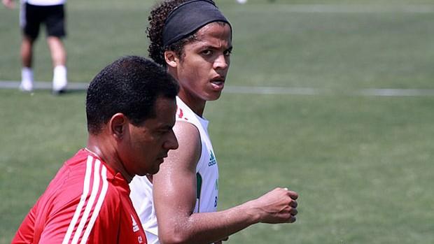 Carlos Peçanha Fisioterapeuta México Giovani dos Santos (Foto: Arquivo Pessoal)