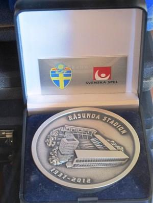 Medalha Pepe Estádio Rasunda (Foto: Lincoln Chaves)