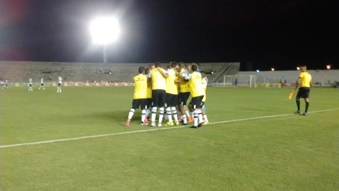 Botafogo-PB x fortaleza, copa do nordeste (Foto: Lucas Barros / GloboEsporte.com)