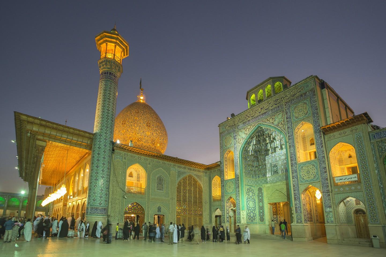 O Santuário Shah-e Cheragh, em Shiraz (FOTO: REPRODUÇÃO)