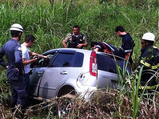 Acidente na BR-116 em Leopoldina (Foto: Júlio Cabral/O Vigilante Online)