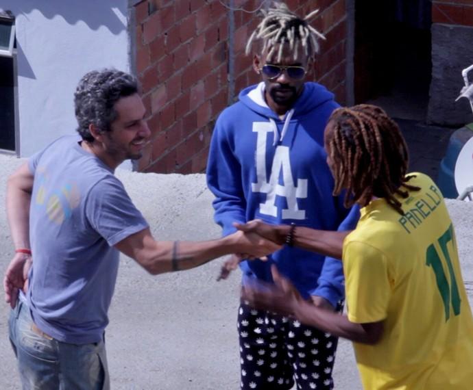 Alexandre Nero conhece moradores do Vidigal por personagem (Foto: Divulgação)