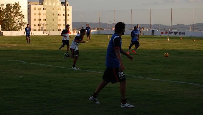 Treino do Campinense, no Renatão (Foto: Silas Batista / GloboEsporte.com)
