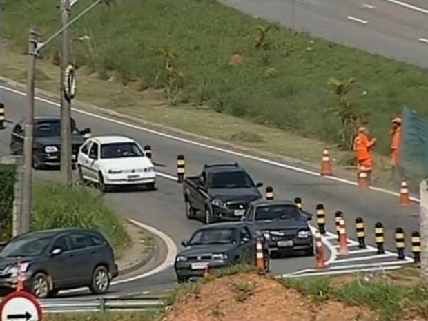 A alça de acesso irá ligar a rodovia e a Avenida Humberto Cereser, que vai para os bairros Caxambu e Jundiaí-Mirim. (Foto: Reprodução / TV Tem)