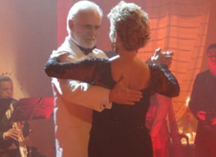 """""""Foi um achado mostrar esse romantismo do casal"""", diz Cuoco sobre cena do tango"""