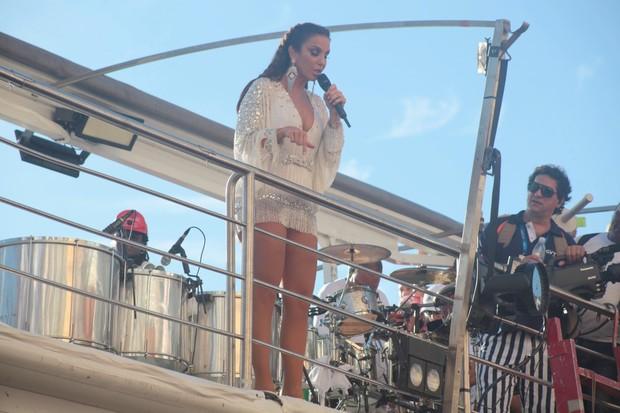 Ivete Sangalo em Salvador (Foto: Wallace Barbosa e Dilson Silva e Vinicius Eduardo/AgNews )