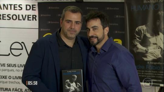 Humano Demais: livro conta a história de vida do padre Fábio de Melo