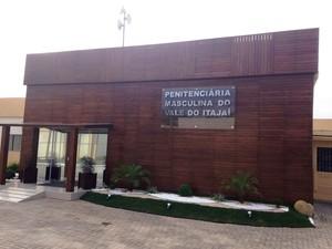 Penitenciária da Canhanduba, em Itajaí (Foto: Douglas Márcio/RBS TV)