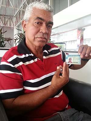 Brasiliano Pereira da Silva, primeira pessoa nascida em Brasília, no dia 21 de abril de 1960, data da inauguração da capital (Foto: Raquel Morais/G1)