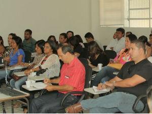 Professores discutem referência bibliográfica do ALTV na Sala de Aula (Foto: Divulgação/ Serivaldo Júnior)