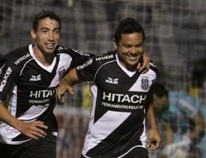 Marcinho gol Figueirense (Foto: Gustavo Magnusson / Ag. Estado)