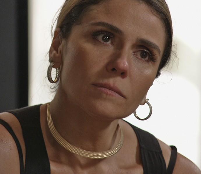 Atena promete guerra contra Gibson (Foto: TV Globo)