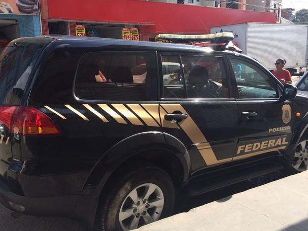 Mandados foram cumpridos em casas e estabelecimentos de investigados (Foto: Divulgação/ PF)