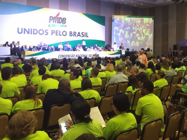 Delegados do PMDB reunidos na convenção nacional do partido em um hotel, em Brasília (Foto: Filipe Matoso / G1)