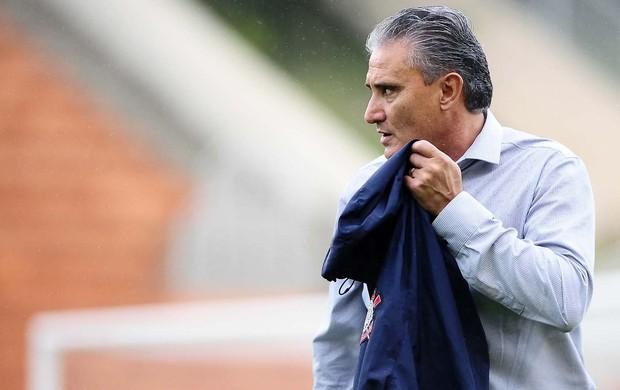 Tite, técnico do Corinthians, no jogo com a Ponte Preta (Foto: Marcos Ribolli / Globoesporte.com)