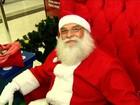 Papai Noel de shopping se comove com cartinha e doa geladeira a criança
