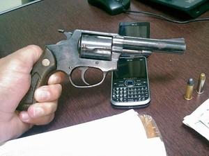Arma usada por ladrã em dois roubos em Piracicaba e Rio Claro (Foto: Força Tática/Polícia Militar)