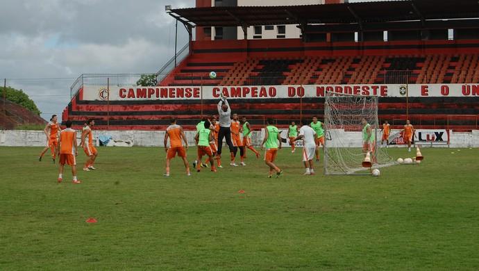 campinense, treino, estádio renatão (Foto: João Brandão Neto / GloboEsporte.com/pb)