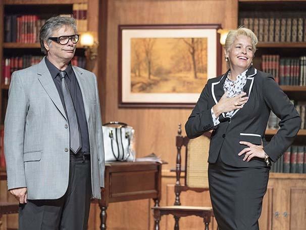 O ex-casal de advogados, Suzy Rêgo e José Carlos Chachá, se reencontra em uma ação de divórcio (Foto: Otávio Dias)