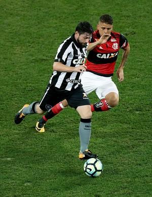 João Paulo - Botafogo x Flamengo - Estádio Nilton Santos (Foto: Satiro Sodré / SSPress)