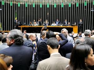 Plenário da Câmara durante discussão da medida provisória do Código Florestal (Foto: Gustavo Lima / Agência Câmara)