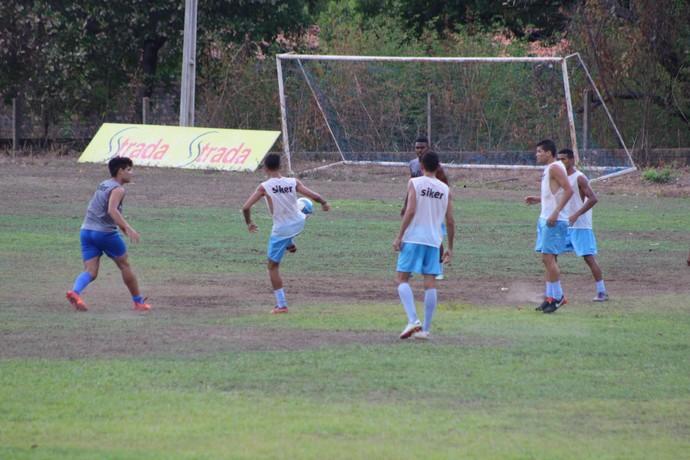 Treino do Piauí - 10.01.17 (Foto: Wenner Tito )