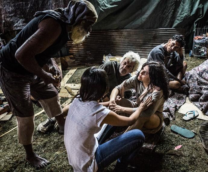 Bárbara Paz contracena com companheiro nas cenas da madrugada (Foto: Ellen Soares / Gshow)
